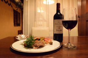 鴨のコンフィとワイン